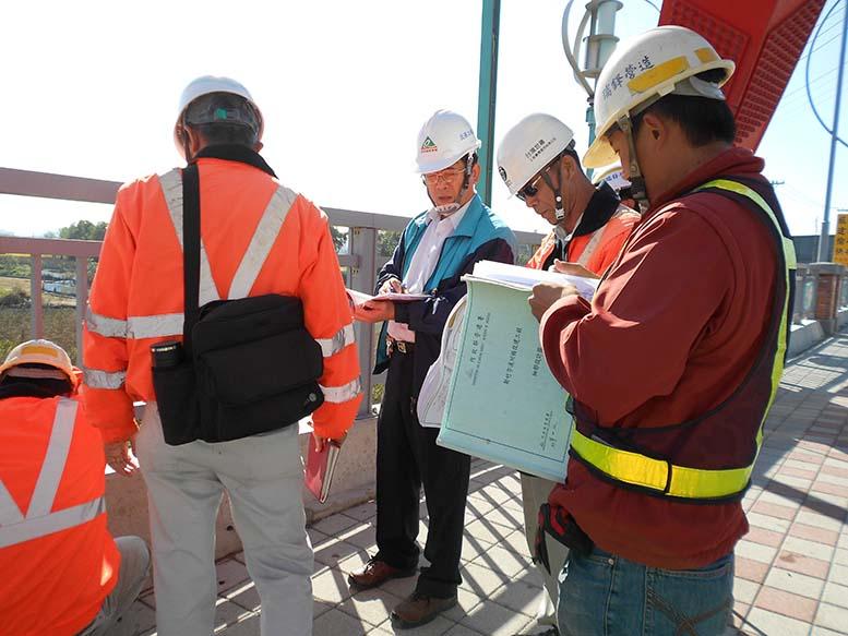 北區工程處定期召開工程檢討會議,以確保工程品質