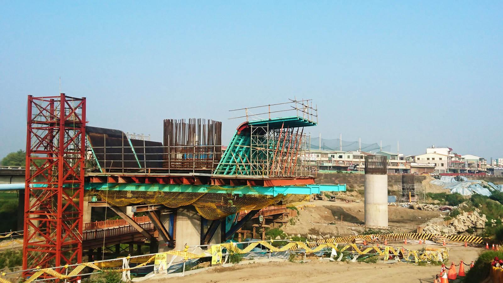 華興橋改建工程施工設計時,採用更能預應極端氣候的工法1