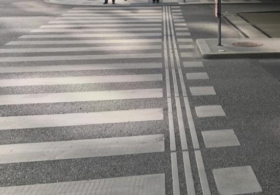 行穿線邊側設置引導設施 (奧地利)