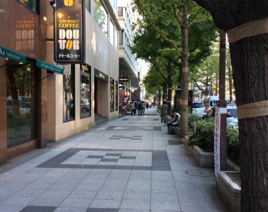 與環境融合的鋪面設計(大阪)
