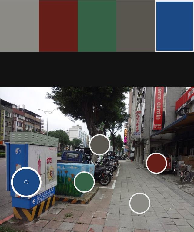 高彩度多圖案之街景