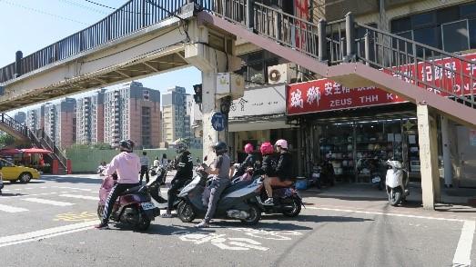 台灣的都市中機車超多量!